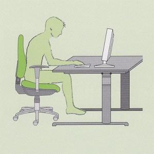 Sedenje ob neustrezni višini delovne mize
