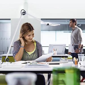 Potreba po dodatni svetlobi na delovnem mestu